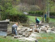 Zpracování dřeva a úklid pracoviště